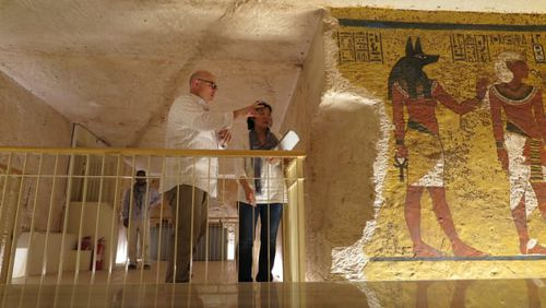 The new visitor viewing platform in the tomb of Tutankhamun. Courtesy of J. Paul Getty Trust