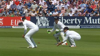 Ian Bell catches Chris Rogers low at second slip.