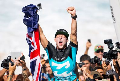 <b>Australian surfer Mick Fanning has denied the legendary Kelly Slater a 12th world title to claim his third in six years at the Pipe Masters. </b><br/><br/>Fanning did just enough on a drama-packed final day in Hawaii, producing last-gasp heroics to win the two heats he needed to add a third crown to his titles in 2007 and 2009.<br/><br/>The 32-year-old then bowed out in the semi-finals before Slater went on to win the event.