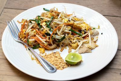 <strong>Pad Thai (20 grams of sugar)</strong>