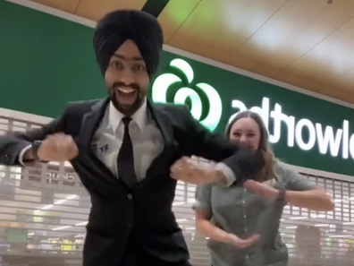 Woolworths worker and Sikh security guard dance during pandemic on TikTok