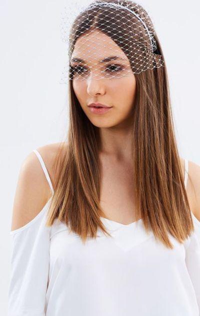 "<a href=""https://www.theiconic.com.au/ciera-headband-495029.html"" target=""_blank"" draggable=""false"">Morgan & Taylor Ciera Headband, $39.95</a>"