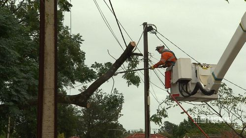 Power was cut to thousands of homes in South Australia. (9NEWS)