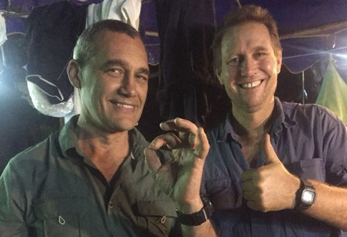 Perth vet Craig Challen with Dr Harris after the successful rescue. Picture: AAP