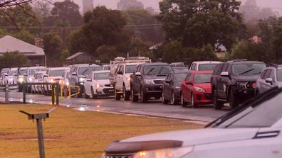 Long testing lines in Dubbo after NSW Health issues alerts for COVID-19 exposure sites