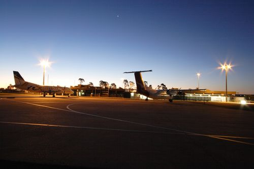 By air, Dubbo is just over an hour flight from Sydney with Qantas and Rex offering a number of daily services