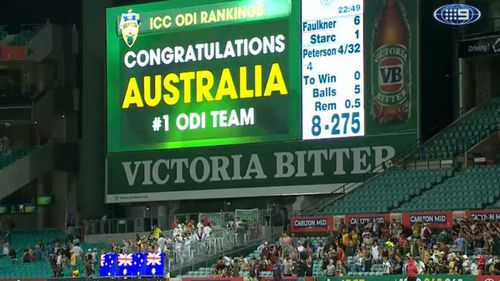 Australian cricketers back on top after win against South Africa