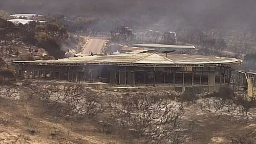 Second town on Kangaroo Island evacuated