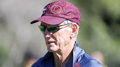 Fiancée of Broncos coach Wayne Bennett quashes split speculation