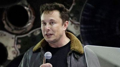 Elon Musk's first SpaceX 'moon tourist' named as Japanese billionaire