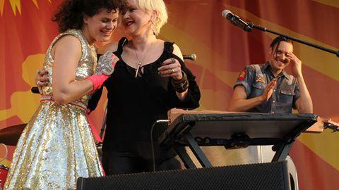Arcade Fire, Cyndi Lauper