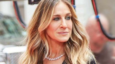 Sarah Jessica Parker strips down to her smalls
