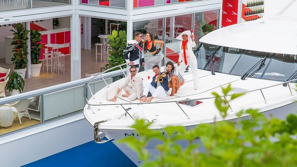 Mumm yacht