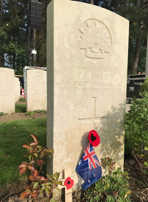 Private Patrick Scullin's grave at Polygon Wood. (Michael Best/9NEWS)