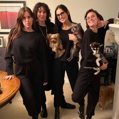 Demi Moore, Rumer, Scout and Tallulah