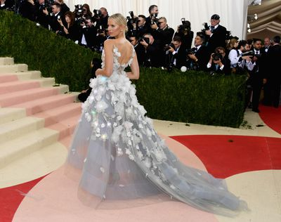 Karolina Kurkova in Marchesa at the 2016 Met Gala <em>Manus x Machina: Fashion In An Age Of Technology&nbsp;</em>in New York