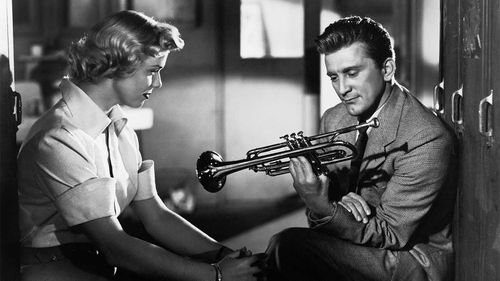 Kirk Douglas with Doris Day in 'Young Man With A Horn'.