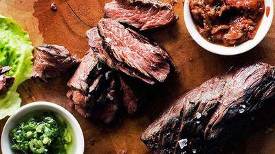 <strong>Momofuku's marinated hanger steak ssäm</strong>