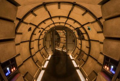 Disneyland Star Wars: Galaxy Edge - Millennium Falcon tunnel interiors