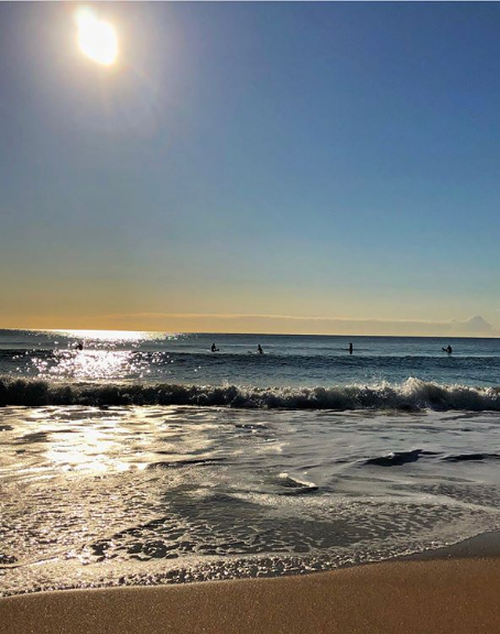 Temperatures in Western Australia, Victoria, Queensland and New South Wales soared into the 30s as the mini heatwave stretched across Australia.