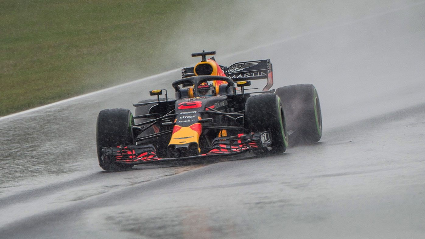 Ricciardo makes massive early statement at Hungarian GP
