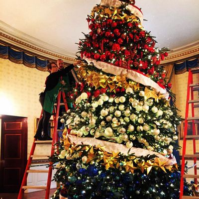 <p>The only tree that can top the president of the Kardashian clan's? That of the president of the United States (and his first lady).</p>