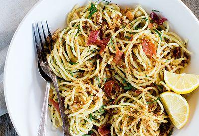 Spaghetti with prosciutto