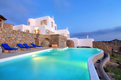 <strong>MYKONOS, GREECE: &euro;3,200,000 JK Property &amp; Yachting<br /> </strong>