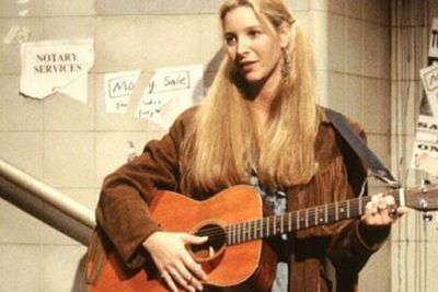 Can you believe 'Smelly Cat' almost never happened... because Lisa Kudrow wanted Phoebe to be a bongo-player!<br/><br/>After struggling to grasp the key chords, Kudrow agreed to a few lessons... before giving her tutor the flick. <br/><br/>Can we all give snaps to the guitar teacher for Phoebe's musical genius at Central Perk? <br/>