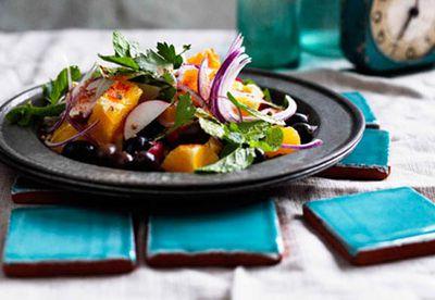 Orange, olive and onion salad