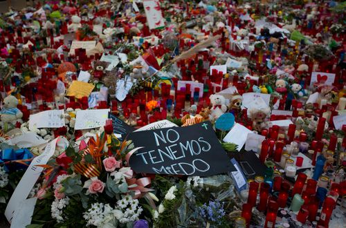 Floral tributes mount up in Las Ramblas after the atrocity last Thursday.