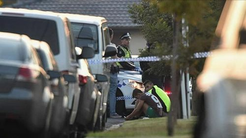 Police remain at the scene this morning. (9NEWS)