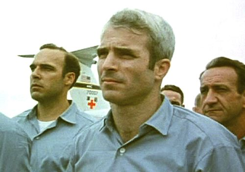 Then prisoner of war John McCain, stands with other POWs as they were released by the North Vietnamese in Hanoi on March 14, 1973. (AAP)