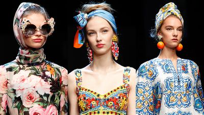 "The inspiration behind Dolce &amp; Gabbana's Milan Fashion Week collection was ""the joy of Italian holiday—Amalfi, Portofino, Venezia!"" said the show's make-up artist, Pat McGrath. To bring to this vision to life, McGrath textured the models' hair, then wrapped the flyaway locks in colourful headbands and scarves.&nbsp;The result was old Hollywood glamour meets <em>Roman Holiday</em>. With the accessories becoming a runway highlight, we decided to take a look at all the times head scarves have stolen the show."
