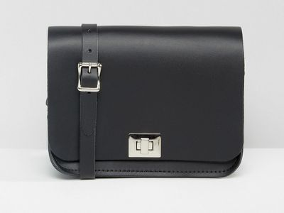 "<a href="" http://www.asos.com/au/Leather-Satchel-Company/The-Leather-Satchel-Company-Pixie-Cross-Body-Bag/Prod/pgeproduct.aspx?iid=6868529&amp;cid=9714&amp;sh=0&amp;pge=0&amp;pgesize=204&amp;sort=-1&amp;clr=Charcoal+black&amp;totalstyles=900&amp;gridsize=4"" target=""_blank"">The Leather Satchel Company Pixie Cross Body Bag, $126</a>"