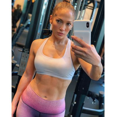Jennifer Lopez shows off killer abs ahead of tour