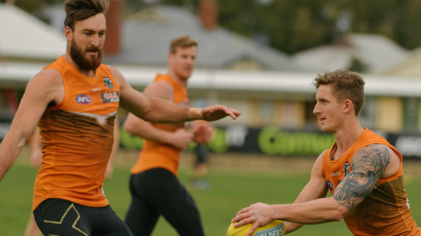 Hartlett injures knee at Port AFL training
