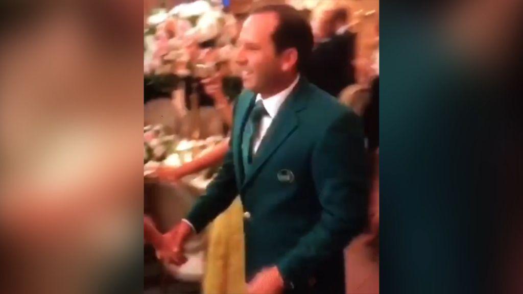 Garcia wears green jacket to wedding