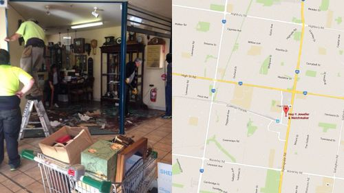Jewellery swiped in ram-raid in Melbourne's south-east