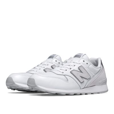 <strong>New Balance 996 - $200</strong>