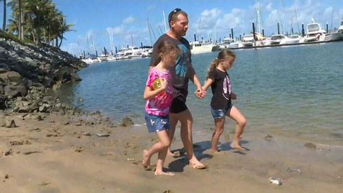 The only thing that kept Mr MacKay going was thinking of his family. (9NEWS)
