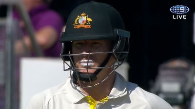 Rogers 95 puts Australia in solid position