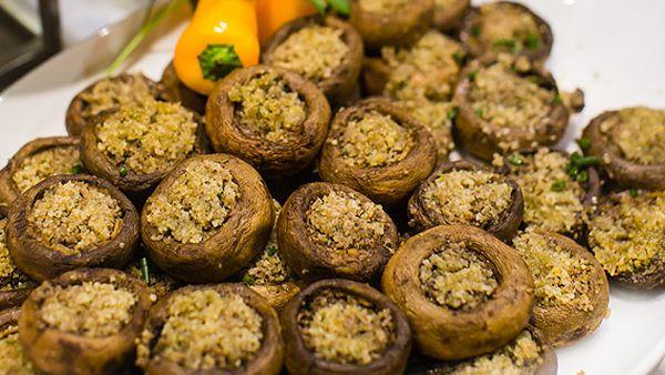 Pasta e Sugo's fungi ripeni (stuffed mushrooms)