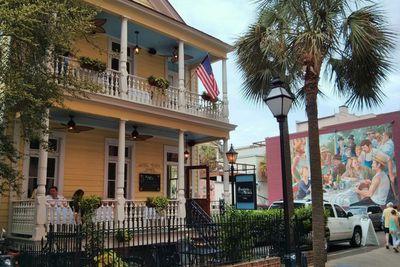 <strong>Poogan's Porch, South Carolina</strong>