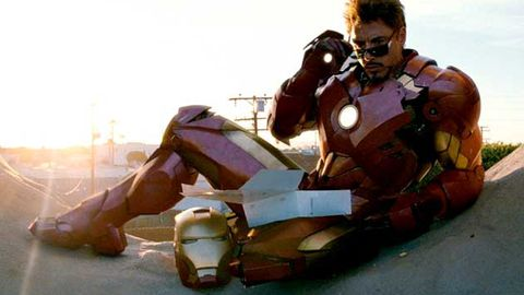 Iron Man 2 deleted scene: Scarlett Johansson puts her hand in Robert Downey Jr's...?