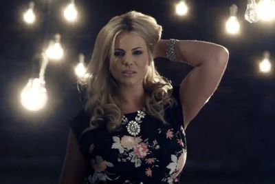 Here's Fiona in her recent TV ad for Yours Clothing... #HOTTIE.
