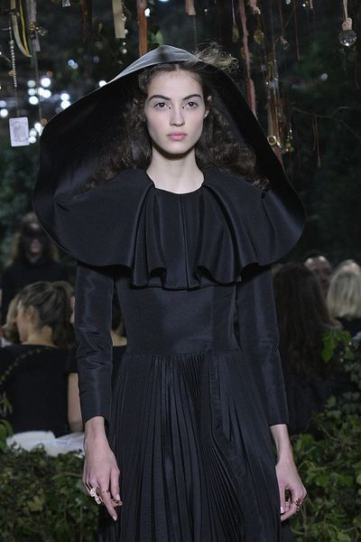 <p>Christian Dior Haute Couture Spring 2017.</p> <p>Richly romantic ruffles.</p>