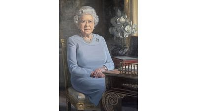 New portrait of Queen Elizabeth II commissioned by the RAF, November 2018