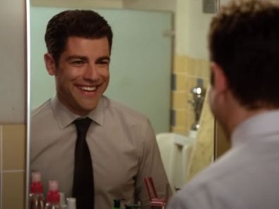 Schmidt talking to the mirror in New Girl.