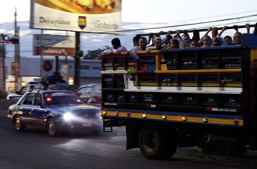 El Salvador migrants have joined the 7000 string caravan making its way through Mexico to the US border.